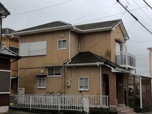 屋根と外壁の塗装前